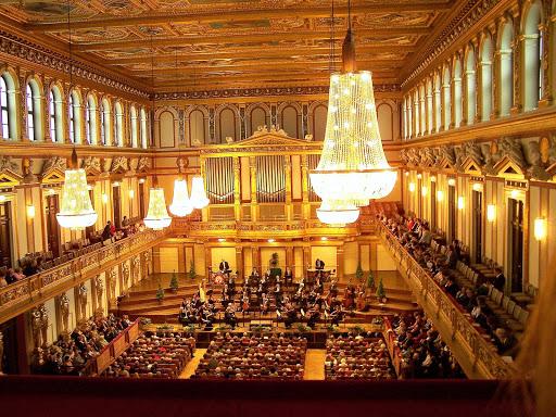 Großer Musikvereinssaal für mehr als 2000 Zuhörer